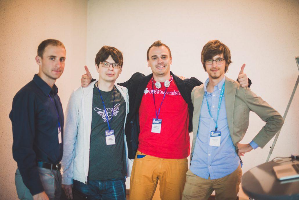 Спікери(зліва направо): Віталій Ніколаєв, Андрій Савченко, Олексій Калюжний і Олександр Стріха